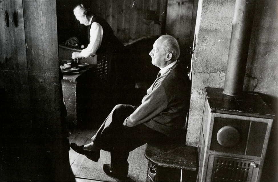 Heidegger cumpliendo el aislamiento social obligatorio